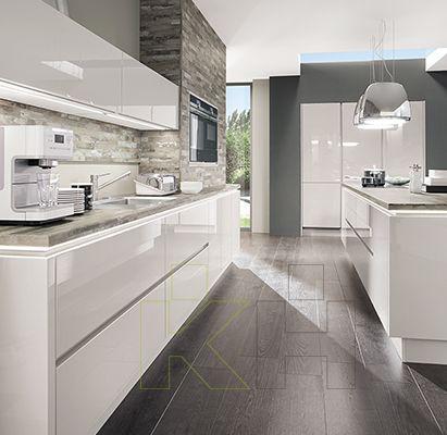 Est tica pura y lineal de una cocina de dise o kuchen for Cocinas lineales