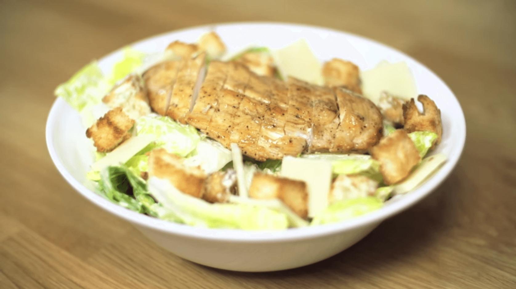 Vídeo Receta Ensalada César de Javi Recetas | Kuchen House | Cocinas | Cocina con nosotros | Recetas