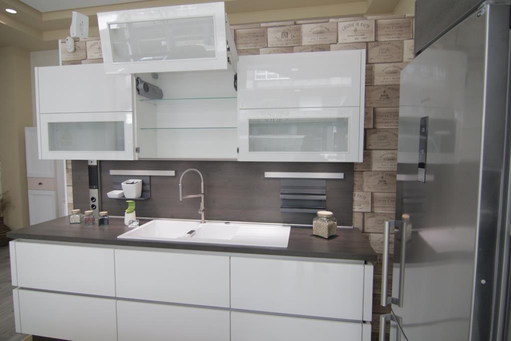 Muebles de cocina en oviedo cool arnanti studio cocinas for Recogida muebles oviedo