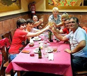 Belén, manos divertidas en El Toque de Belén | Hablamos con ... Entrevistas Kuchen House | Cocinas Alemanas | Armario Alemán