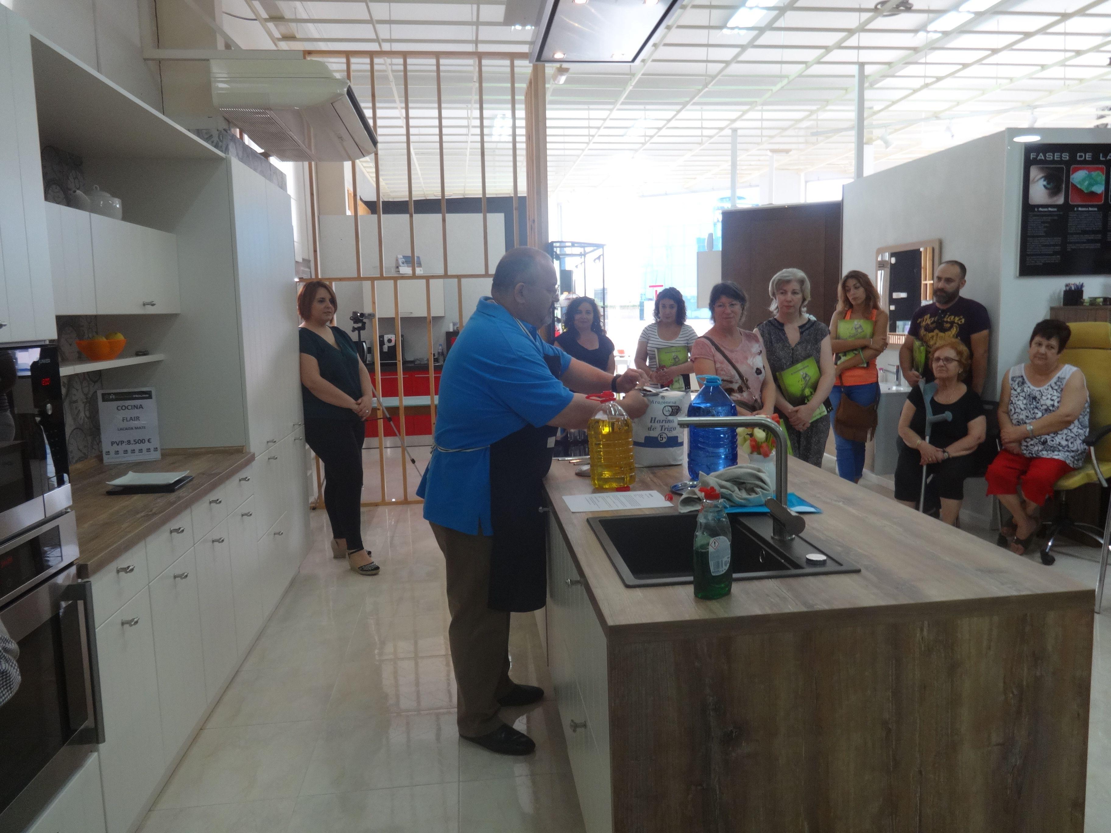 Gran éxito en el Kocinando Hoy de Kuchen House en Alicante| Kuchen House Cocinas | Cocinas Alemanas | Cocinas con TecnoDiseño | Armario Aleman